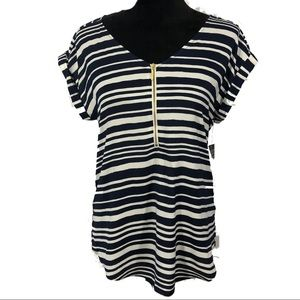 Simply Styled Zipper Front Top